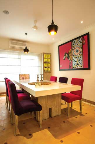 Everything from the flooring to the furniture has the primary function to add more charm to the colour-scheme.