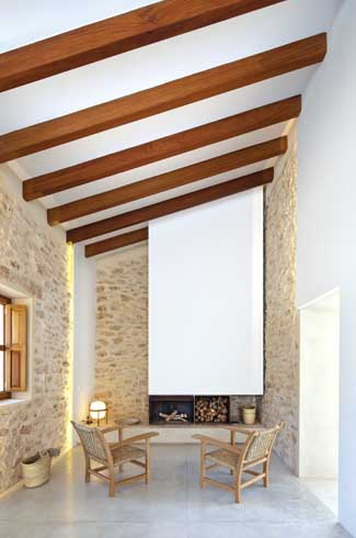 Dry stone walls, gabled roofs and wooden beams mark traditional houses in the region.