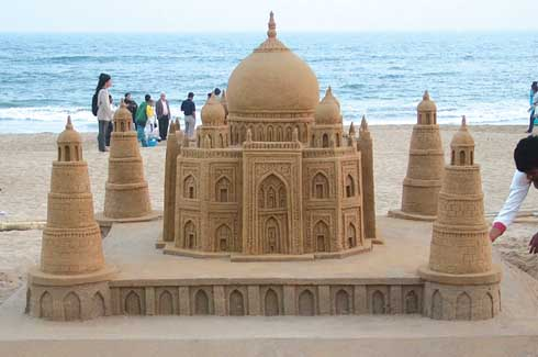 Sudarsan Pattnaik, Padma Shri, Sandman, sand art, USF World Double Championship, Santa Claus, Limca Book of World Records, Puri beach