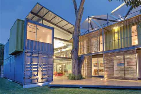 Casa Incubo, San José, Costa Rica, Maria José Trejos, shipping containers, environment-friendly building materials.