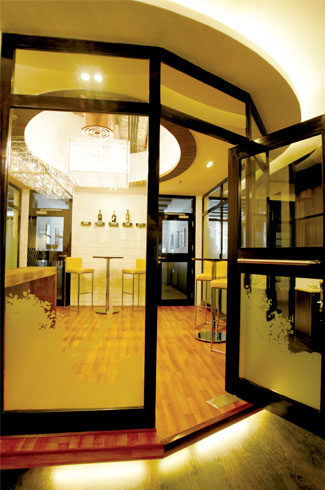 Zeppelin Design, Som Sengupta, Rahat Parvez, Cafe Delhi Heights, The Beer Café, William Grant Corporate Office.