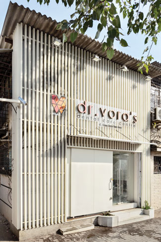 Dr. Vora's Dental Care Centre, Mumbai, JDAP, glass-fronted cabins, dental clinic.