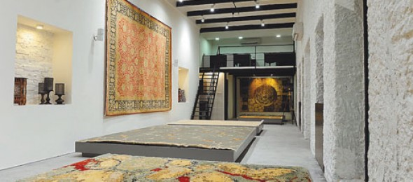 Cocoon Fine Rugs, Kolkata, Pretoria Street, Inscape Designers, Chaitali Parikh-Mehta, heritage building, handmade carpets, in-situ concrete flooring, whitewashed walls.