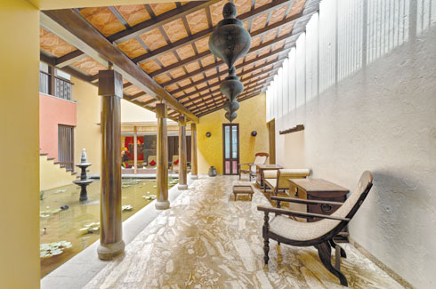 Varsha & Deepak Guggari Associates, Pune, open-to-the-sky courtyard, VDGA, vernacular architecture.