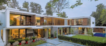 Chhatarpur, Delhi, DADA Partners, Gallery House, Mukul Arora, white stucco finish, wooden battens, classy visual language.