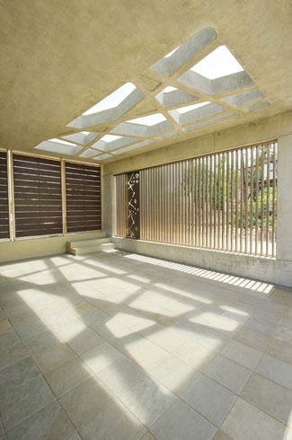 Dipen Gada, Bharuch, Gujarat, corten steel, Dipen Gada & Associates, motorised curtains, skylights.