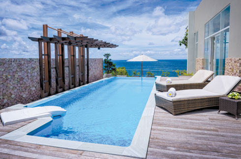 Anantara Uluwatu Bali Resort, pool villas, Indian Ocean, duplex penthouses.